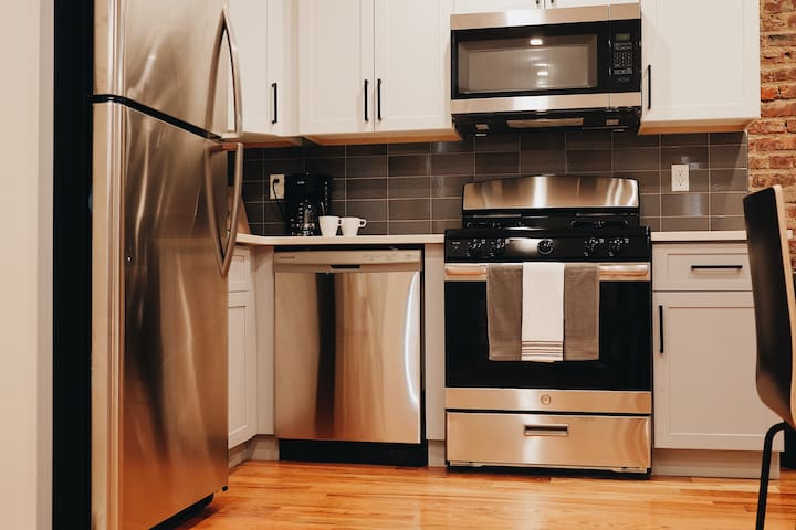Comfy Private Room w/ Full Bed - Near Prospect Prk
