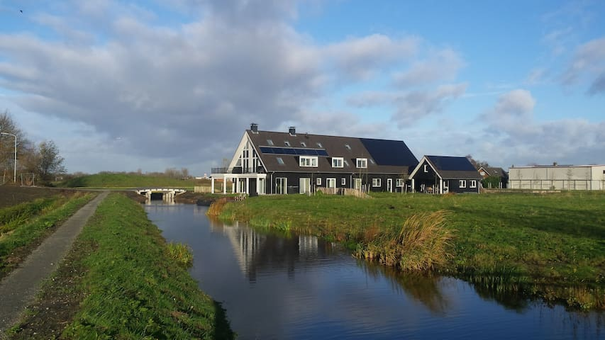 B&B-room, countryside, near Schiphol / Amsterdam