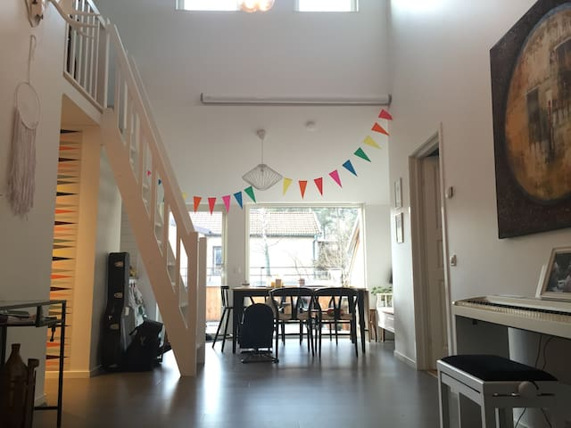 Spacious apt with music studio - Stockholm - Apartmen