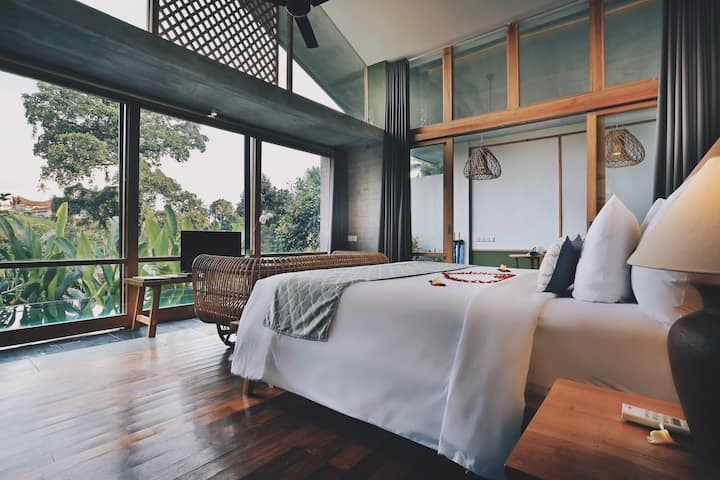 Ubud One Bedroom Pool Villa with Kitchenette