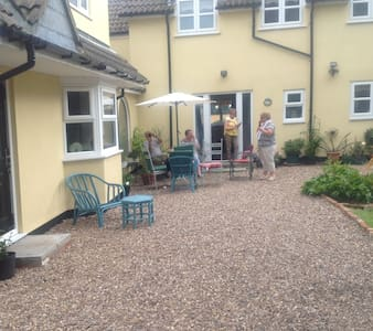 Cosy, comfortable cottage in a lovely village - North Thoresby - Ev