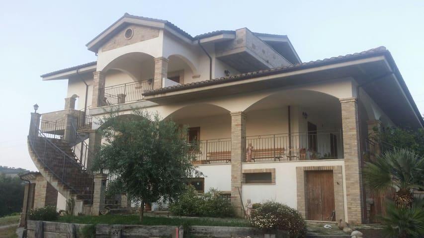 Accogliente appartamento in campagna - Pineto - Apartemen