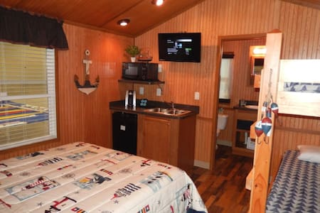 Cape May Getaway Cottage - Cape May - Cabaña