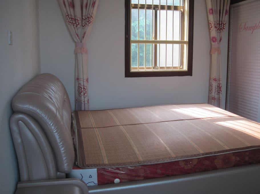 sendond floor double room