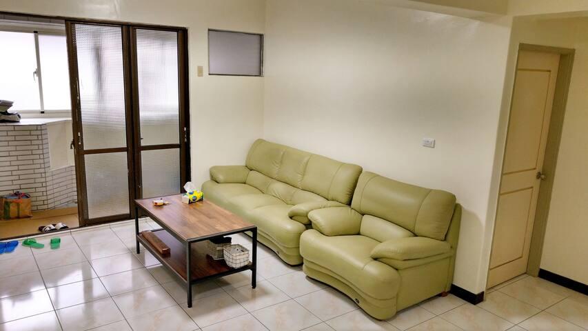 基隆 #雙人房1#雙人床#新豐街#房間安靜#交通便利#生活機能方便