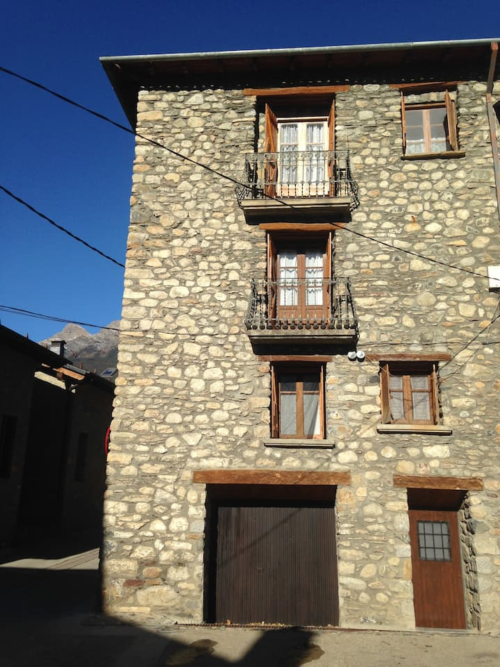 Casa Güil, casa rústica en el Valle de Benasque