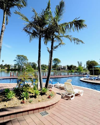 Yarrawonga Waterfront Apartments - Mulwala - Appartement