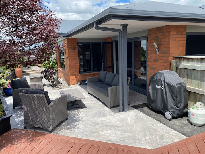 Executive 3 Bedroom home.  Out door dining area