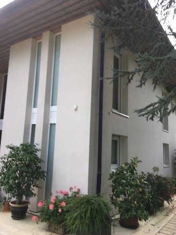 Chambre 1 privée parmi 3 à Mulhouse Didenheim - Didenheim - Huis
