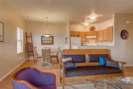 Convenient Condo in Rio Rancho - View of Sandias - Rio Rancho