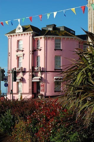 Sea view twin Studio Apartment - Dawlish - Bed & Breakfast