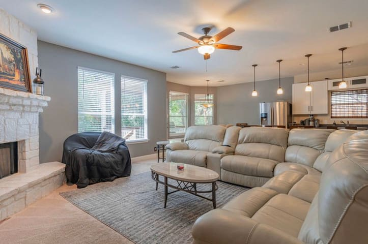 Spacious Home for your Perfect San Antonio Stay