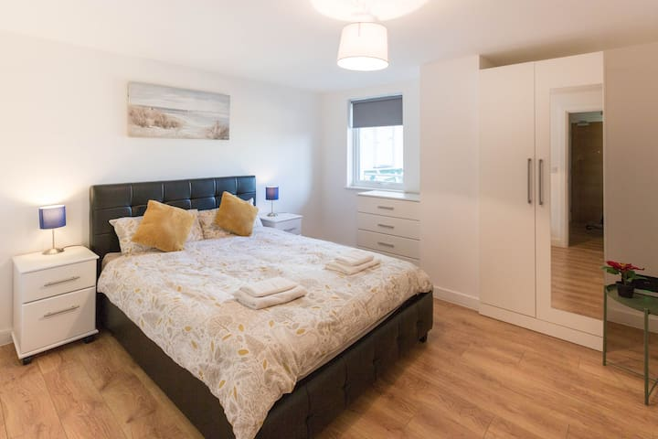 Relaxing & Beautiful 1 Bed Flat with Parking