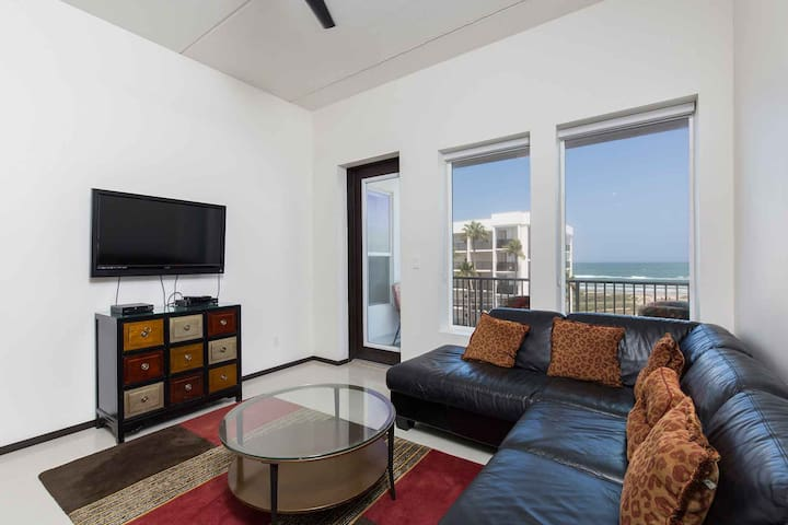 Opal Condominium 302 - You'll Feel Like a Celebrity in this Luxurious Condo with Spectacular Ocean Views