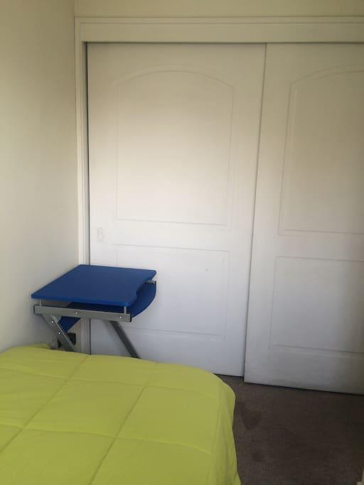 Dormitorio, pequeño escritorio opcional