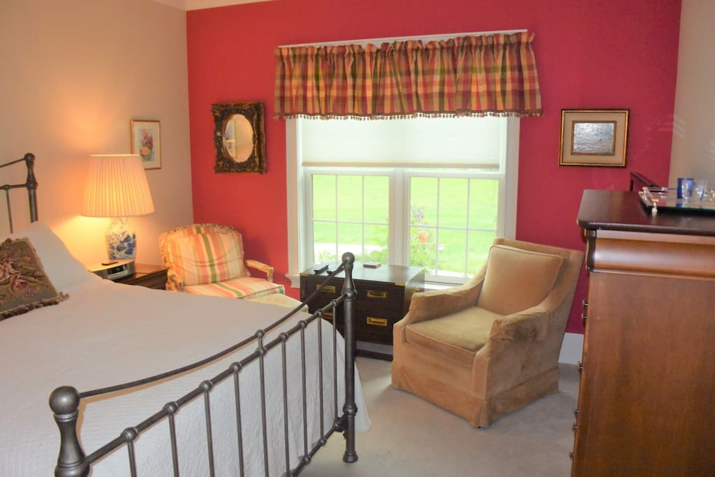 Room come with a Queen size, bed, 2 comfortable chairs and a HD TV.