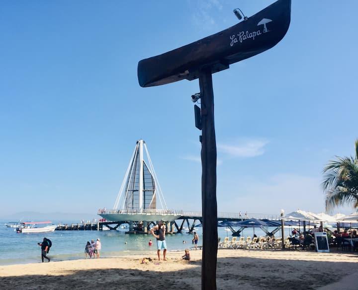 La Palapa since 1959 & Pier landmarks.