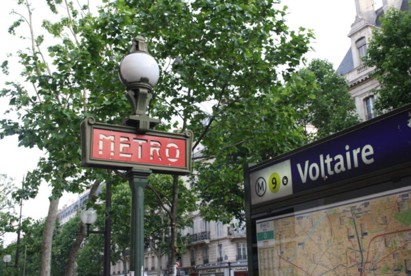 Few minutes away from Voltaire metro station, line 9