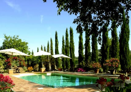MAGNIFICENT VILLA & POOL 12/15p. near Tuscany - Piegaro - วิลล่า