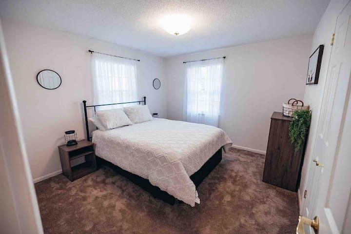 Bedroom 2 - Queen with shared bathroom
