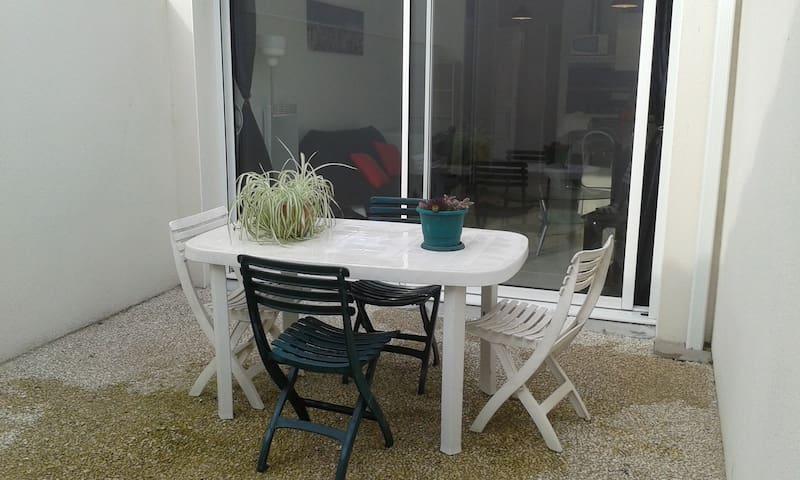 studio neuf plein sud avec terasse - Aytré - Lakás