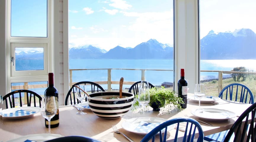 Modern retreat - amazing view fjord and mountains