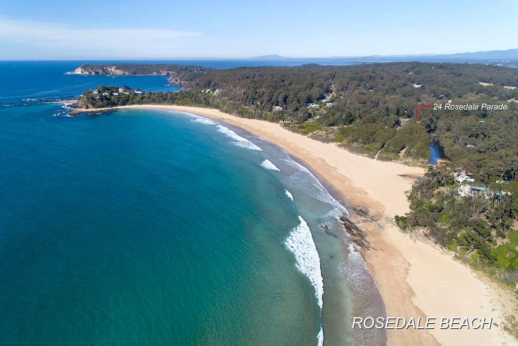 Visale at Rosedale is less than 200 metres flat walk to the beach. Our property backs on to the lovely Saltwater Creek