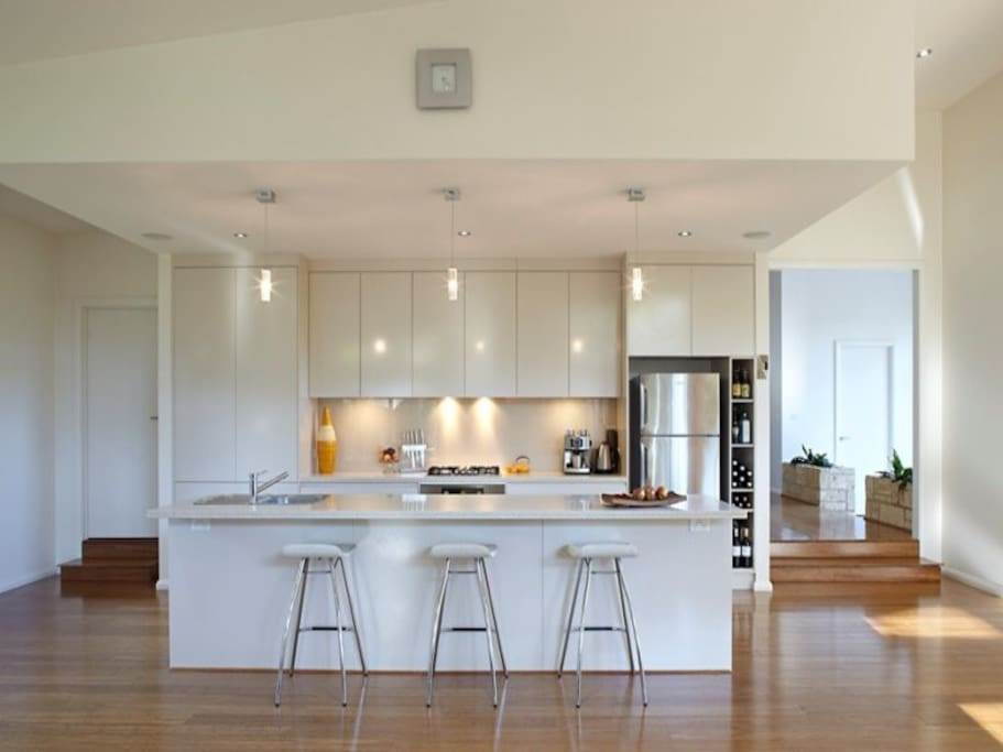 Entertain with all mod cons in a well designed kitchen