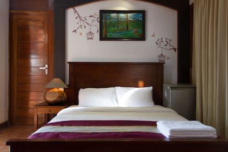 Villa Tidina- R107 with Sea- View - Dona Paula - Bed & Breakfast