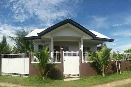 Bantayan Island , Sta Fe , Hideaway Cottages - Bayan ng Santa Fe - 獨棟