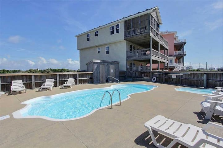 Oceanside in Hatteras w/Pool&HotTub, RecRoom, Pets