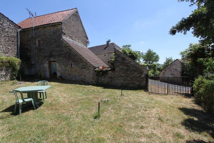 Gîte typique en campagne Gourdonnaise