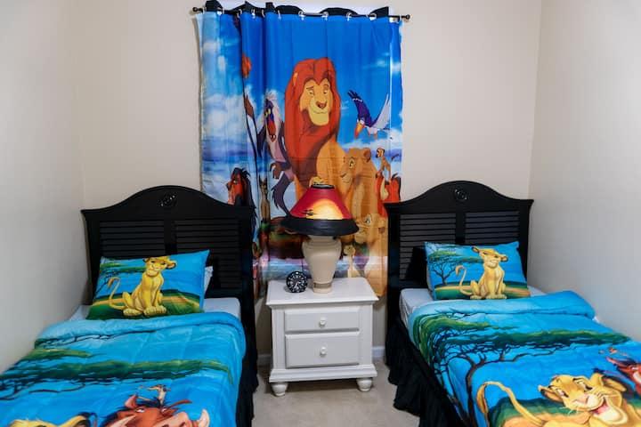 Close To Disney! 3 Bedroom Condo in Windsor Palms