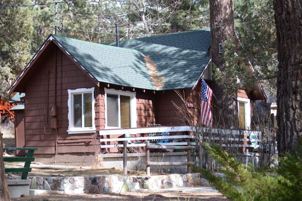 Cozy Big Bear Cabin With Spa Near Ski Resorts Lake: big bear lakefront cabins for rent