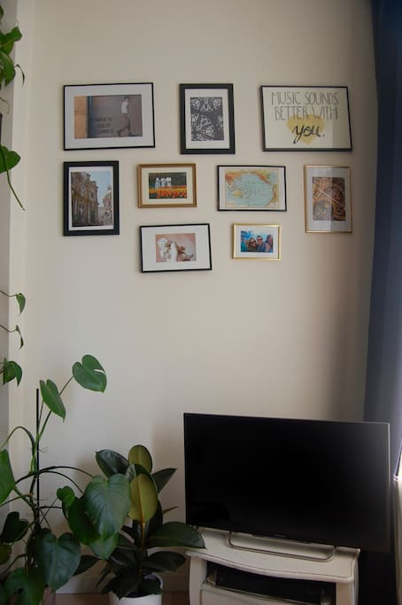 TV and gallery wall.
