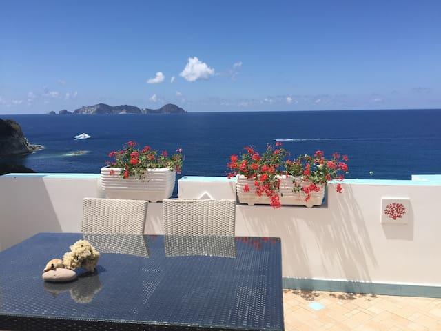 Meraviglioso bilocale a picco sul mare - Ponza - Appartamento