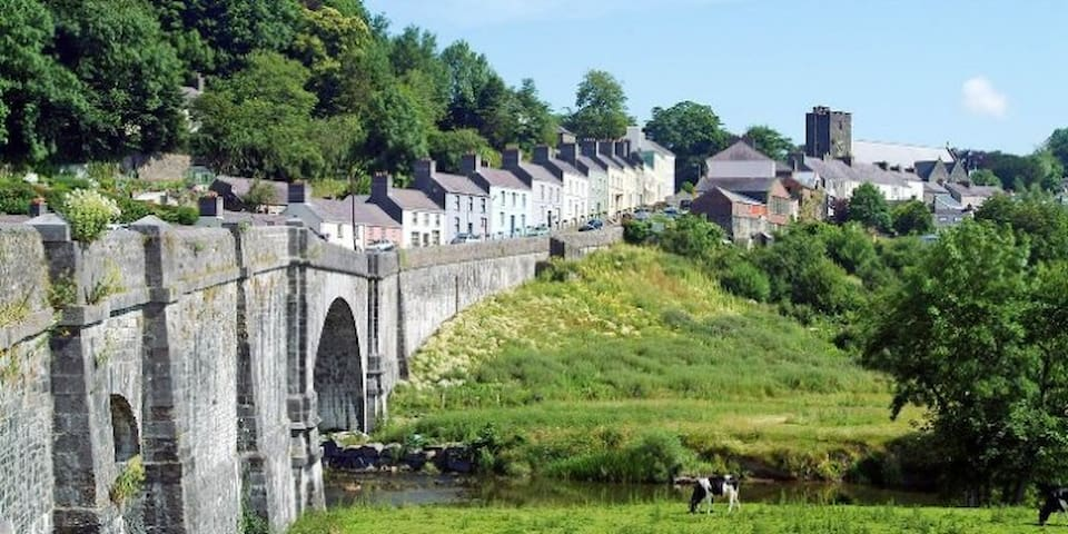 We are just 3.5 miles from the wonderful and charming Llandeilo.
