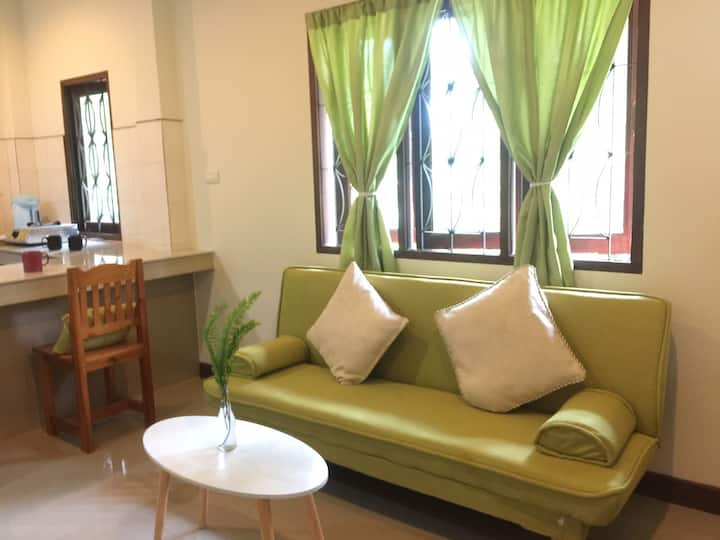Cosy home in the heart of Srithanu