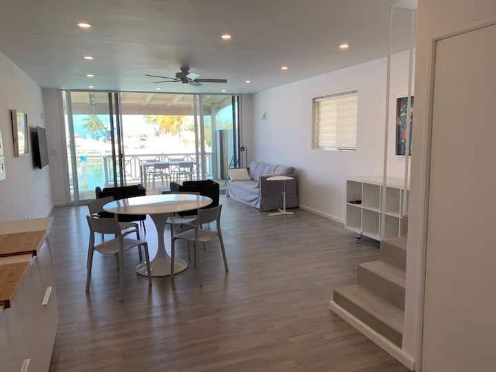 Luxury Waterfront Villa 431F North Beach