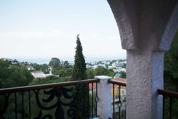 Luxury and Comfort - Saronida - บ้าน
