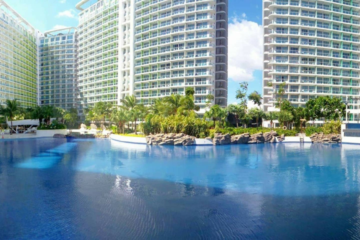 Man made beach w/ wave pool (PLEASE READ THE RULES AND REGULATIONS BEFORE BOOKING)