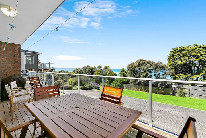 Relaxed Ocean View - Ideal family retreat