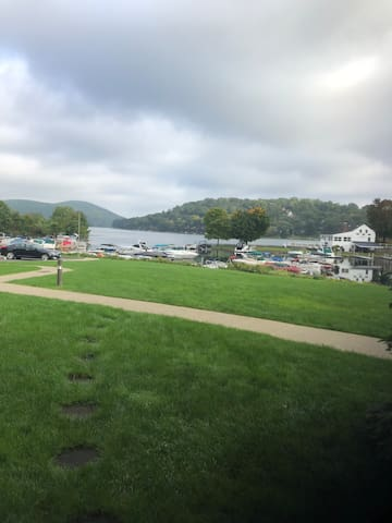 Luxury living on Candlewood Lake