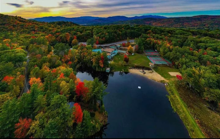 Your White Mountains retreat w/ resort amenities!