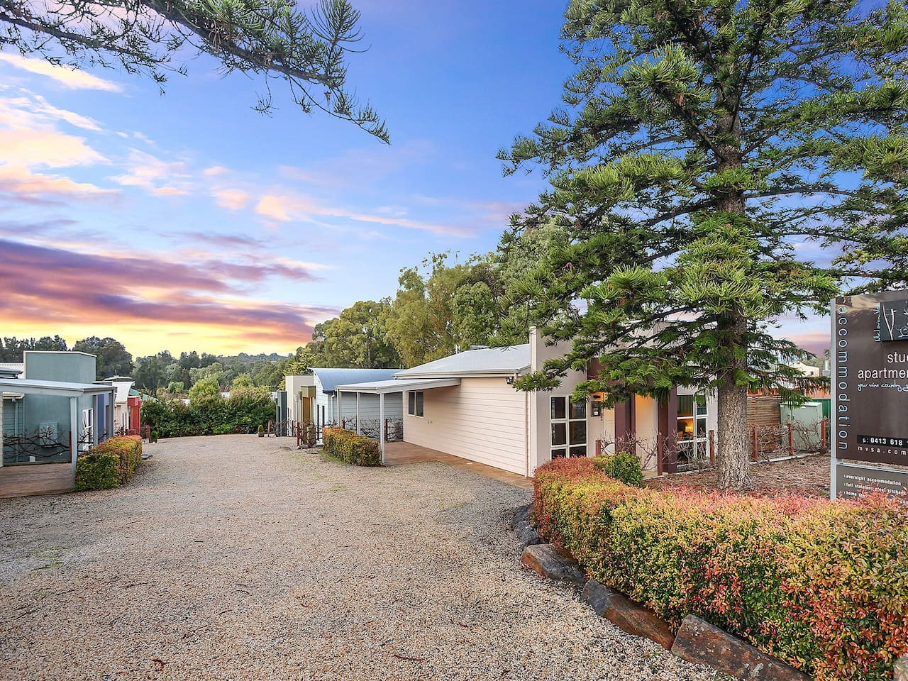Our group of 6 individual Units offer comfort and amazing location for a self-catered exploration of the McLaren Vale wine region