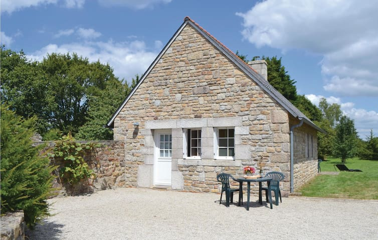 Holiday cottage with 1 room on 55m² in Tregunc