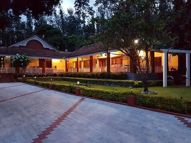 TT Soudhamani Villa