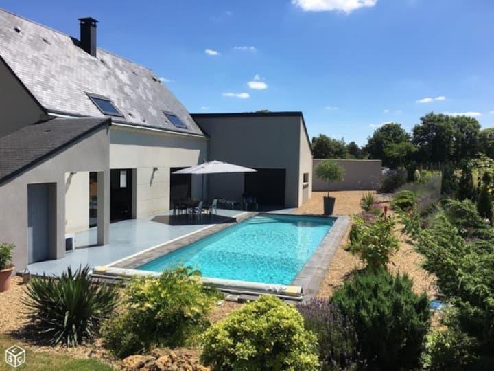 Maison avec piscine à proximité du Mans