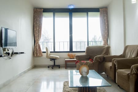 Sea Facing Private Room in Versova, Andheri West