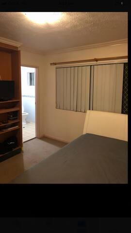 Spacious En-suite room comfy near CBD